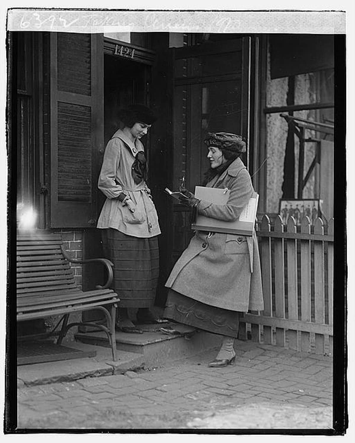 Photo of taking the Census in 1920