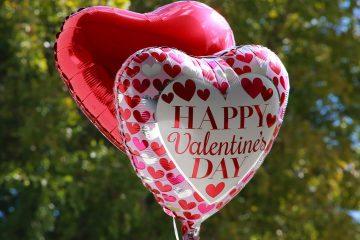 Photo of heart shaped balloons