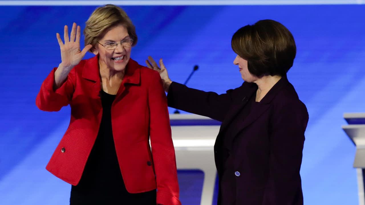 Photo of Sen. Elizabeth Warren, D-Mass., left, and Sen. Amy Klobuchar, D-Minn.