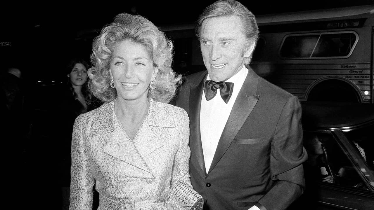 Photo of actor Kirk Douglas and his wife Anne