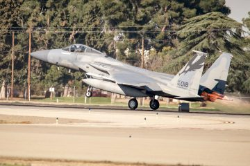 F-15 Eagle fighter jet takes off in Fresno.