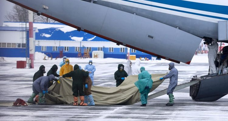 Photo of medical workers preparing to meet 80 people in Russia