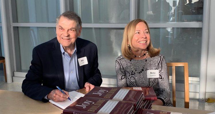 Photo of Bill Lyles and Betsy Lumbye