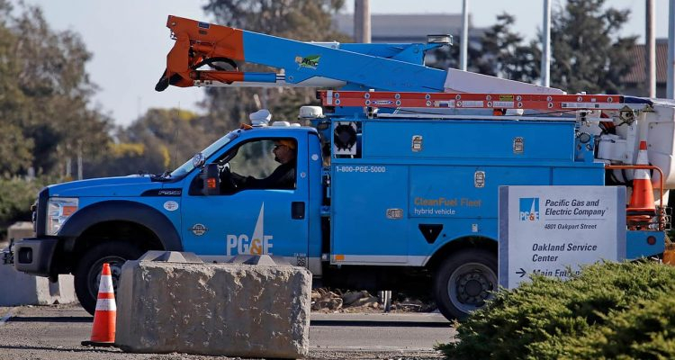 Photo of a PG&E truck