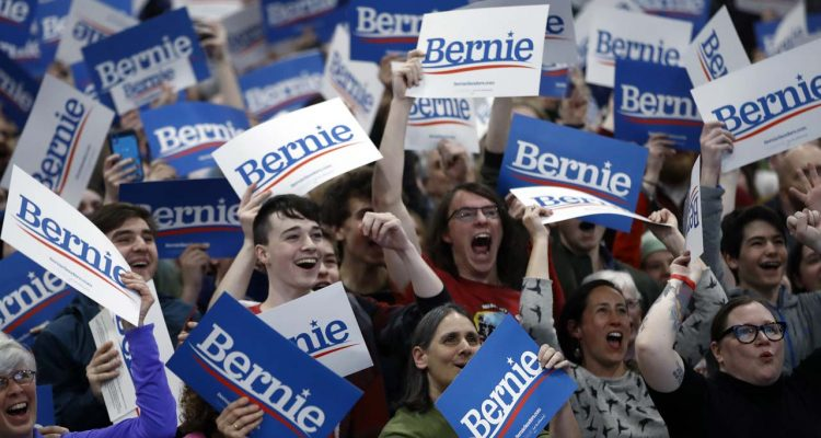 Photo of Bernie Sanders supporters