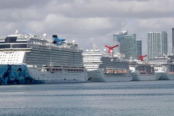 Photo of cruise ships in Miami