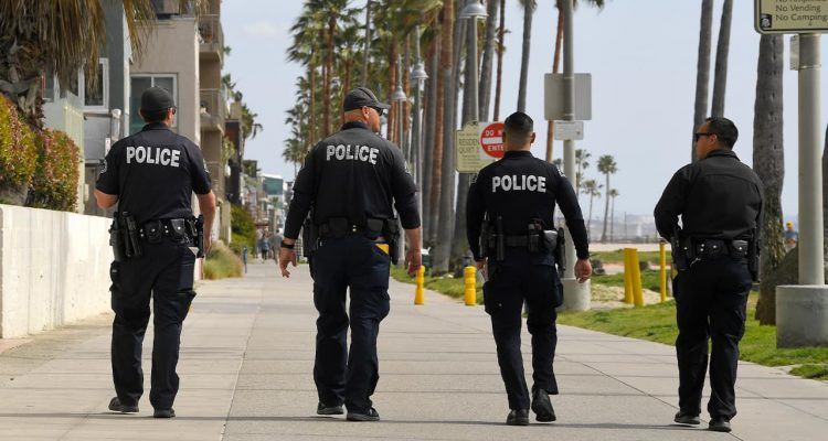 Photo of LAPD officers