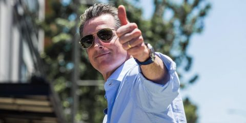 Photo of Gov. Gavin Newsom giving a thumbs up