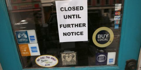 Photo of a closed sign
