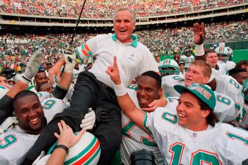 Photo of Don Shula being carried by the team in 1993
