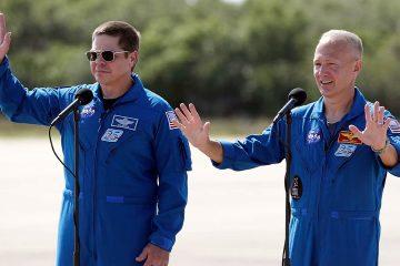 Photo of astronauts