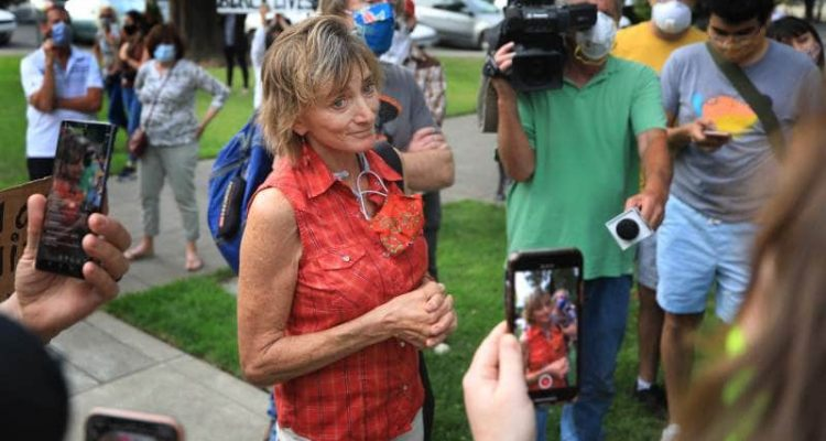 Photo of Mayor Leah Gold