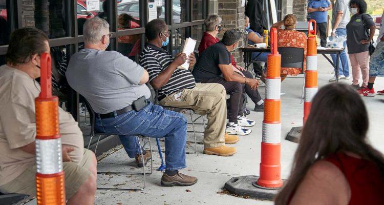 Photo of job seekers in Omaha