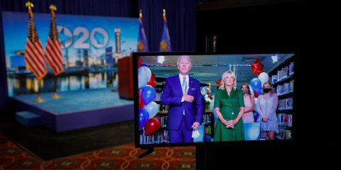 Photo of Joe Biden with his wife